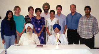 Students with leading taksāli scholars (1998)